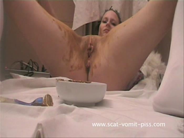 Scat-Vomit-Piss: (Susan, Veronika) - Teeny blowjob, scat and piss - Susan [SD] (511 MB)