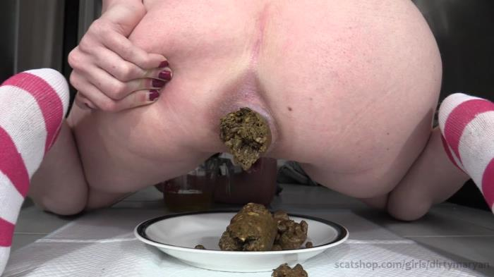 Scat Shop: (Dirty Maryan) - Making a Shit Sandwich For Your Lunch At Work [FullHD 1080p] (975 MB)