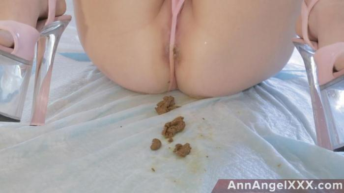 AnnAngelXXX: (Dirty Angel) - Lingerie Model With A Shitty Ass Gets Pissed On [FullHD 1080p] (1.15 GB)