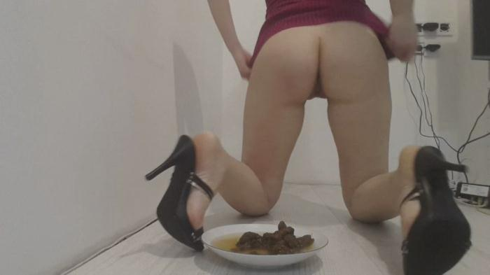 Shit Smeared: (Love to Shit Girls) - Your Dinner Heels Poop [HD 720p] (386 MB)
