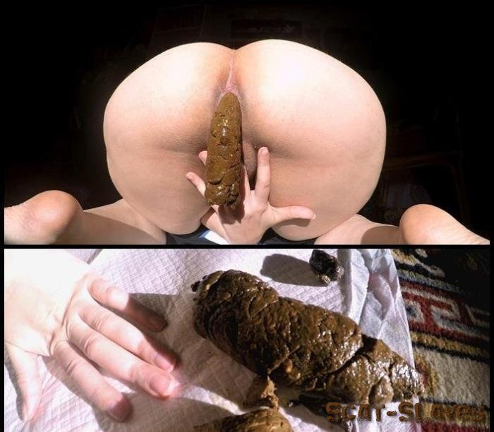 Big Pile: (LoveRachelle2) - Dropping 3 Thick Chunky Turds [4K UltraHD] (717 MB)