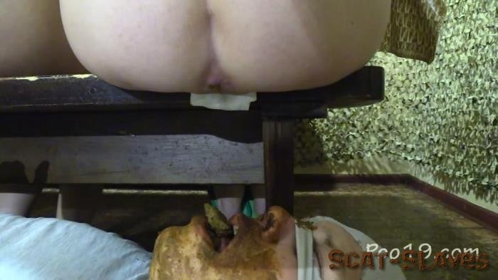 Toilet Slavery: (MilanaSmelly) - Crapping on the bench [FullHD 1080p] (1.86 GB)