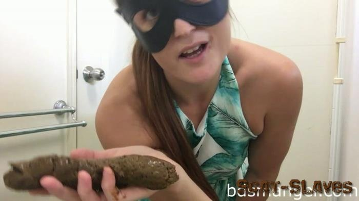 Big pile: (BDSMangel) - Pooping in CUTE dress into HAND [FullHD 1080p] (260 MB)