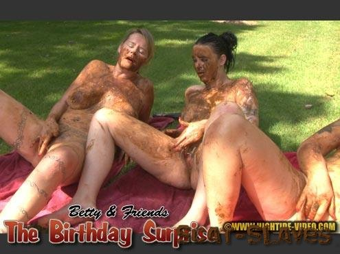 Hightide-Video.com: (Betty, Sexy, Marlen) - BETTY And FRIENDS - THE BIRTHDAY SURPRISE [HD 720p] (1.10 GB)