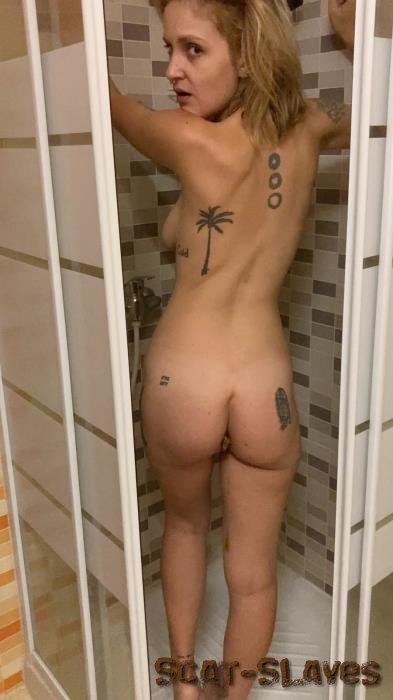 Defecation: (your_mariam) - Taking a shit standing up [UltraHD 2K] (134 MB)