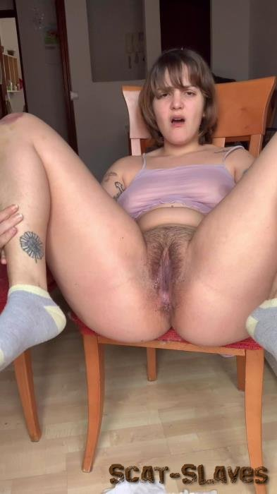 Amateur: (your_mariam) - Anal masturbation and poop on the floor [UltraHD 2K] (718 MB)