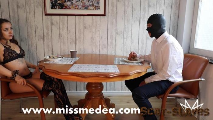 Femdom: (MissMortelle) - Noble Scat Breakfast with the Mistress [FullHD 1080p] (1.05 GB)